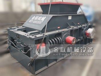 2PG1200x800对辊制砂机设备发往陕西
